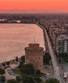 "Welcome To Greece 🇬🇷 στο Instagram: ""Thessaloniki, Greece 📸: @giorgos_charitos_ #thessaloniki #greece"" Greece Pictures, Paris Skyline, Thessaloniki, Travel, Instagram, Presents, Gifts, Viajes, Destinations"