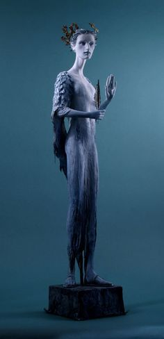 Blue - sculture - Blue Muse -  Forest Rogers                                                                                                                                                                                 Mehr