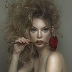 viaggio-di-lady-j: Credit: Louis Loizides Mitsu Portrait Shots, Female Portrait, Portrait Photography, Sensual Seduction, Constantino, Ginger Hair, Her Smile, Hair Pictures, Woman Face