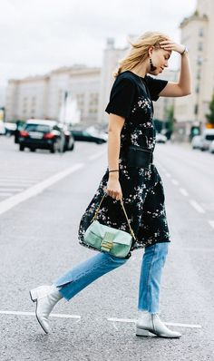 Kick-flare jeans are everywhere this season but can be tricky to pull off. Keep reading to see these stylish ways to wear the denim. Kick Flare Jeans, Denim Fashion, Retro Fashion, Love Fashion, Fashion Outfits, Womens Fashion, French Fashion, Fall Fashion, Vestidos