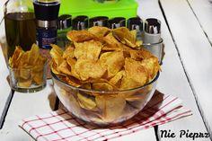 Chipsy ziemniaczane - przepis. Bardzo chrupiące, o ulubionym smaku chipsy domowej roboty. Chipsy wychodzą dużo lepsze od sklepowych. Idealne.