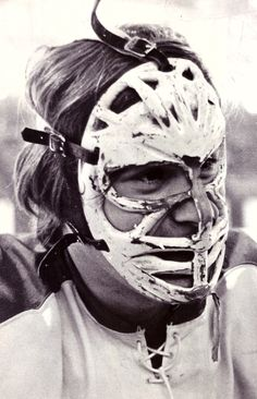When he first came into the NHL, and also against the Soviets, the legendary Ken Dryden wore one of the ugliest masks known to man, the one that made him look like an Orc chieftain weeping blood in The Lord of the Rings. Hockey Goalie, Hockey Games, Hockey Players, Ice Hockey, Hockey Helmet, Montreal Canadiens, Mtl Canadiens, Nhl, Ken Dryden