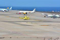 Un avión de Binter en prácticas de vuelo y sin pasaje realiza un aterrizaje de emergencia en el aeropuerto de Gran Canaria.