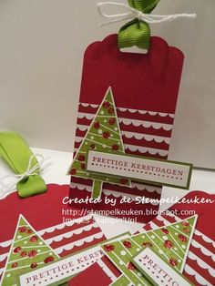 de Stempelkeuken: Merry Christmas Monday #2 Wonderful holiday tags with Festival of Trees