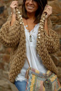 """Lovely cardigan"" : Alice rises up Knitting Wool, Sweater Knitting Patterns, Crochet Cardigan, Knitting Designs, Boho Fashion, Winter Fashion, Fashion Outfits, Fashion Trends, Womens Fashion Online"