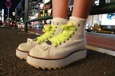 More photo at:  http://www.fashionsnap.com/streetsnap/2012-07-04/17203/#