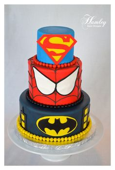 This amazing comic book superhero themed birthday cake is probably the coolest superhero cake I have ever seen! Probably the best part is the number of superheroes represented on the cake. From the bottom to the top, there is Captain Read More . Fancy Cakes, Cute Cakes, Beautiful Cakes, Amazing Cakes, Superman Cakes, Superman Party, Superhero Cake, Cakes For Boys, Creative Cakes
