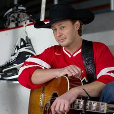 Paul Brandt'I'll Be Home For Christmas' by Paul Brandtlove your music your the one that brings hope faith peace to this world share this amazing star paul brandt with your friends right now with his new album JUST AS I IM tour is going to HAITI hey paul been a long journey to the JUST AS I IM tour i think god has the power to help those your families in HAITI with support of those amazing people on earth we will make sure someone will come with you to Heidi www.paulbrandt.com