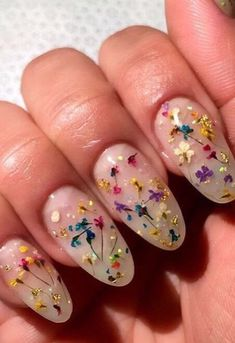 # A touch of Spring Nail Art
