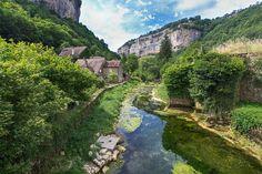 Le village de Baume-les-Messieurs sur le Blog de Denis   Jura, France   #JuraTourisme