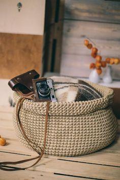 Crochet patterns for beginners videos. Full video tutorial, how to crochet big round basket Diy Crochet Basket, Crochet Basket Tutorial, Crochet Basket Pattern, Nursery Storage Baskets, Toy Storage Bins, Smart Storage, Diy Crochet Patterns, Crochet Patterns For Beginners, Crochet Ideas