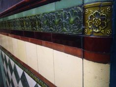 Spotted this wee #floral #tile, when visiting our Avis tenement recently. #tenement #tiles #southside #glasgow