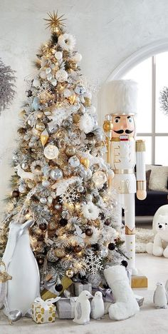 Rose Gold Christmas Decorations, Elegant Christmas Trees, White Christmas Ornaments, Gold Christmas Tree, Christmas Room, Christmas Tree Themes, Beautiful Christmas, Christmas 2019, Luxury Christmas Decor