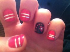Flower and stripes nails
