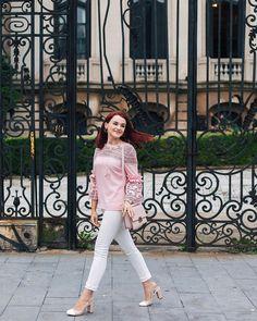 #pinklace #tedbaker #ysl Ysl, Fall Winter Outfits, Pink Lace, Ted Baker, Florian, White Jeans, Celebrity Style, Fashion Looks, Feminine