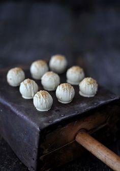 fräulein glücklich: Und jährlich grüßt das Murmeltier { Lebkuchen-Cake-Balls }