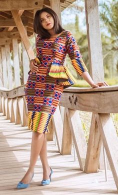 If you are looking for the latest Ankara styles, then this is the perfect post for you to consider. African Attire, African Wear, African Fashion Dresses, African Dress, Ankara Short Gown Styles, Latest Ankara Styles, Moda Afro, Kente Dress, African Wedding Dress
