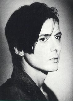 See Brett Anderson pictures, photo shoots, and listen online to the latest music. Black Hair Boy, Long Black Hair, Brett Anderson, Britpop, Rock Concert, Band Posters, Concert Posters, Beautiful One, Pretty Boys