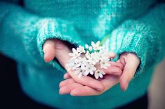 IMG_5862.jpg_effected-turquoise sweater and white flowers, love the color
