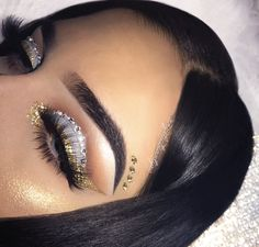 7 Beauty Tips for Looking Younger Eye Makeup Art, Natural Eye Makeup, Makeup Eyeshadow, Beauty Makeup, Hair Makeup, Prom Makeup, Baddie Makeup, Eyeshadows, Beauty Tips