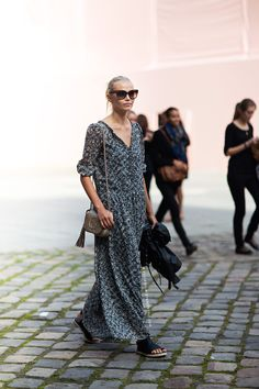 #NatashaPoly having a maxi moment #offduty in Paris.