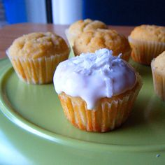 Healthy coconut cake bites