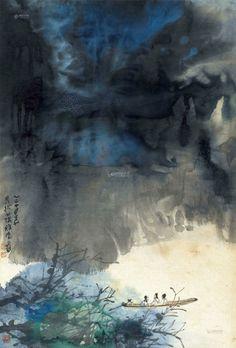 """張大千 - 重岩輕舟圖 (镜心 纸本)        《重岩輕舟圖》作于1965年,是张大千画风转变时期的佳作。画中气象在墨色与青色柔和渗相间化,中下部分两片墨色中间留出一线空白而稍勾皴数笔山石,加之下部渐淡的树丛,勾画出几笔树枝,隐约其间,殊为别致,在此似乎聆听到重岩山涧之间传唱出的悠扬曲调。此画的妙处还在于仕人乘舟畅谈,为空寂的江面添加了几分生气。或浓或淡的墨块,如烟如雾,似有似无的人,优雅有致;淋漓翻飞的石青色,空灵剔透,幽情无限;画家运用泼彩泼墨营造出""""两岸猿声啼不住,轻舟已过万重山""""的烂漫诗意。 和齐白石一样,张大千也是花甲之年变法。六十多岁的张大千晚年因眼疾视力逐步下降,他""""造化在胸""""""""造化在手"""",心中气象转化为在宣纸上的随意泼墨泼彩渲染似乎就顺理成章了。"""