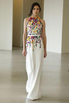 Irina Sharipova in Oscar de la Renta Resort 2016 Elegante Jumpsuits, Embroidery Dress, Beautiful Gowns, Beautiful Beautiful, Dream Dress, Pretty Dresses, High Fashion, 80s Fashion, Fashion Boots