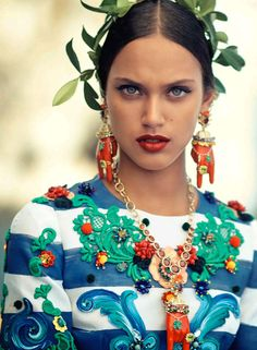 dolce-and-gabbana-alta-moda-fall-winter-2014-2015-collection-on-vogue-japan-october-issue-02
