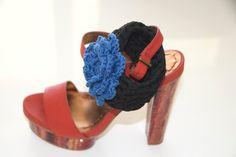 bracciale Azzurro/bracelet Azzurro knitted with flower - FREE SHIPPING! di iotiamo su Etsy