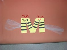 Alphabet, Bee Crafts, Language Arts, Bees, Literacy, Insects, Places, Animaux, Learning