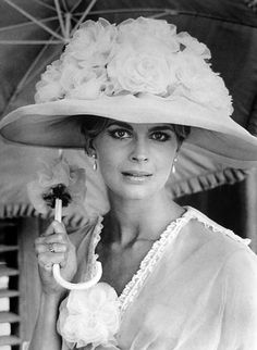 Candice Bergen in The Magus, directed by Guy Green 1968 Candice Bergen, Hollywood Glamour, Old Hollywood, Divas, World Icon, Hat Day, Vintage Couture, Vintage Fashion, Hooray For Hollywood