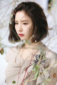 BTS Shin se kyung 2017 in Drama 'Black Knight' Korean Actresses, Korean Actors, Korean Beauty, Asian Beauty, Bride Of The Water God, Shin Se Kyung, Singer Fashion, Korean Celebrities, Actor Model
