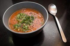 Soupe à la tomate et aux vermicelles avec thermomix. Voici une recette de Soupe à la tomate et aux vermicelles, facile et rapide a préparer.