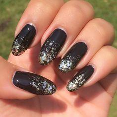 #notd #nails #nailart #nailpromote #nailartaddict #nailsoftheday #nailpolishjunkie #nailsofinstagram #instanailed #instanailed #mermaid #manicure #black #blacknails #gold #goldnails #gradient #gradient #glitternails