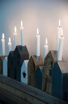Deze kandelaars in de vorm van huisjes zorgen voor een gezellige sfeer. Je steek… These candlesticks in the shape of houses provide a cozy atmosphere. You put a dinner candle in the chimney and voilà, you create a cozy corner in the house in an instant. Noel Christmas, Winter Christmas, Christmas Crafts, Christmas Decorations, Holiday Decor, Christmas Houses, Christmas Candles, Christmas Ideas, Shabby Home