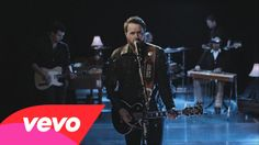 ♥I think I watch you everyday on my laptop playing this.♥  Randy Houser - Goodnight Kiss