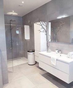 Badezimmer Design Ideen Grau #kleinesbad #badezimmerfliesen #feinsteinzeug #beton #badeinrichten #badfliesen #badewanne #dusche #gestaltung #holz #holzoptik #badfliesen
