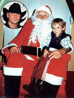Christmas with Santa and Kenny! Country Music Artists, Country Music Stars, Country Singers, Kenney Chesney, No Shoes Nation, Wedding Band Engraving, Falling In Love With Him, Tim Mcgraw