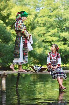 Украйнка. Вишиванка. Традиційний одяг