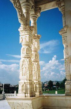 Birla Mandir, Jaipur, Rajasthan, India (भारत गणराज्य) (by ratnasinghrathore, via Flickr)