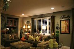 living room sofa and 2 chairs Style At Home, Style Toscan, Style Deco, Tuscan Living Rooms, Cozy Living Rooms, Home Living Room, Living Room Decor, Tuscan Style Homes, Tuscan House