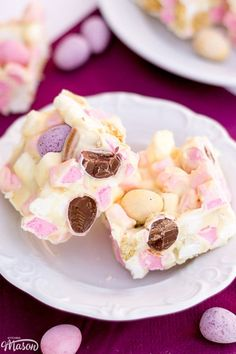 Need an activity for the kids? Got lots of chocolate to use up? Make the most of the Easter break with this EPIC Mini Egg Rocky Road! Mini Egg Recipes, Easy Easter Recipes, Sweet Recipes, Baking Recipes, Easter Baking Ideas, Cake Recipes, Spring Desserts, Easter Desserts, Spring Meals