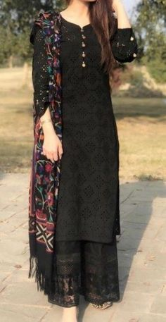 Casual Party Dresses, Designer Party Wear Dresses, Stylish Dresses For Girls, Kurti Designs Party Wear, Simple Dresses, Kurta Designs, Dress Indian Style, Indian Fashion Dresses, Indian Designer Outfits