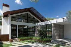 Braxton Werner & Paul Field Modern Designed Home in Kelsey Square
