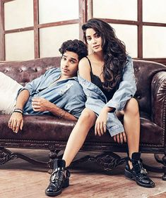 These glamorous pictures of Janhvi Kapoor you simply can't miss! Teen Celebrities, Indian Celebrities, Bollywood Celebrities, Celebs, Bollywood Couples, Bollywood Stars, Bollywood Fashion, Best Couple Pictures, Wedding Couple Photos