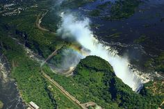 amazing-places-to-see-before-you-die-40     Victoria Falls, Zambia/Zimbabwe