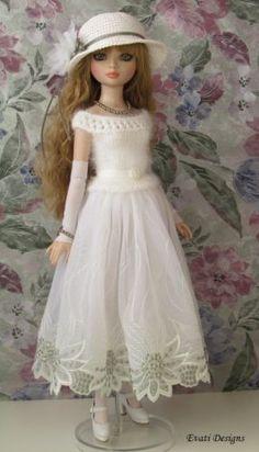 OOAK Outfit #3 w/Accessories for ELLOWYNE WILDE, by *evati* via eBay, Opening Bid $45.00 Ended 11/18/15