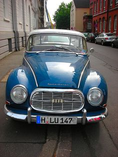 Its a vintage Audi or its predecessor, Auto Union. Not sure of the model name an DKW Retro Cars, Vintage Cars, My Dream Car, Dream Cars, Fiat 500, Ducati, Automobile, Auto Union, Classy Cars