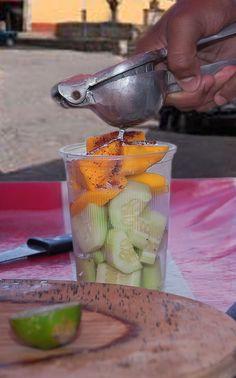 La Ensalada en Vaso preparada en los puestos de México.